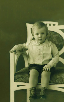 Ян Мюрдаль в детстве